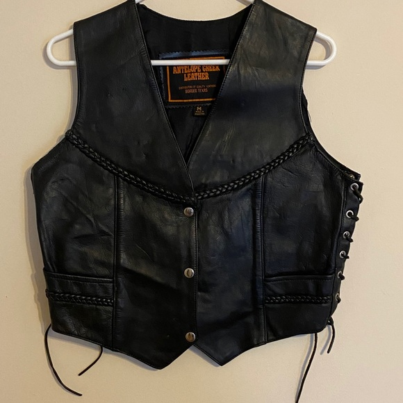 Antelope Creek Leather women's biker vest. Size M